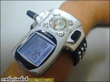 นาฬิกาสวยๆ ไฮเทคเครื่องเดียวอยู่เลย