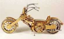 ซากนาฬิกา ถูกนำมาสร้างเป็น มอเตอร์ไซค์