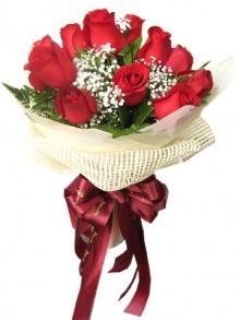 ดอกกุหลาบสีแดงเป็นช่อมาแล้วจ้า@^_^@