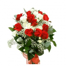 ดอกกุหลาบสวย ๆ เป็นช่อมาแล้วค่ะ @^_^@