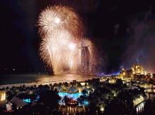 ว้าว!!ทำไมพลุที่ Dubai สวยจัง!!
