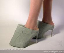 รองเท้าแนวใหม่ แปลกดีนะ