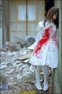 Guro_Lolita แฟชั่นเลือดสาด