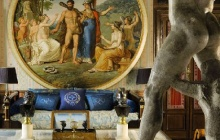 **The house of Versace: Neo-classical Art Brilliance**