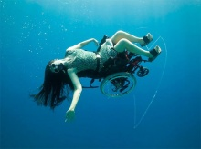สกูบ้าวีลแชร์ วีลแชร์ดำน้ำสำหรับคนพิการ