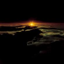 ภาพยามอาทิตย์ขึ้น จากยอดภูเขาไฟฟูจิ