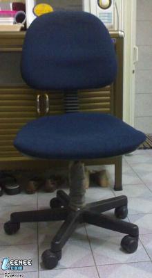 ขอสอบถามรุ่นเก้าอี้ ว่ารุ่นอะไร