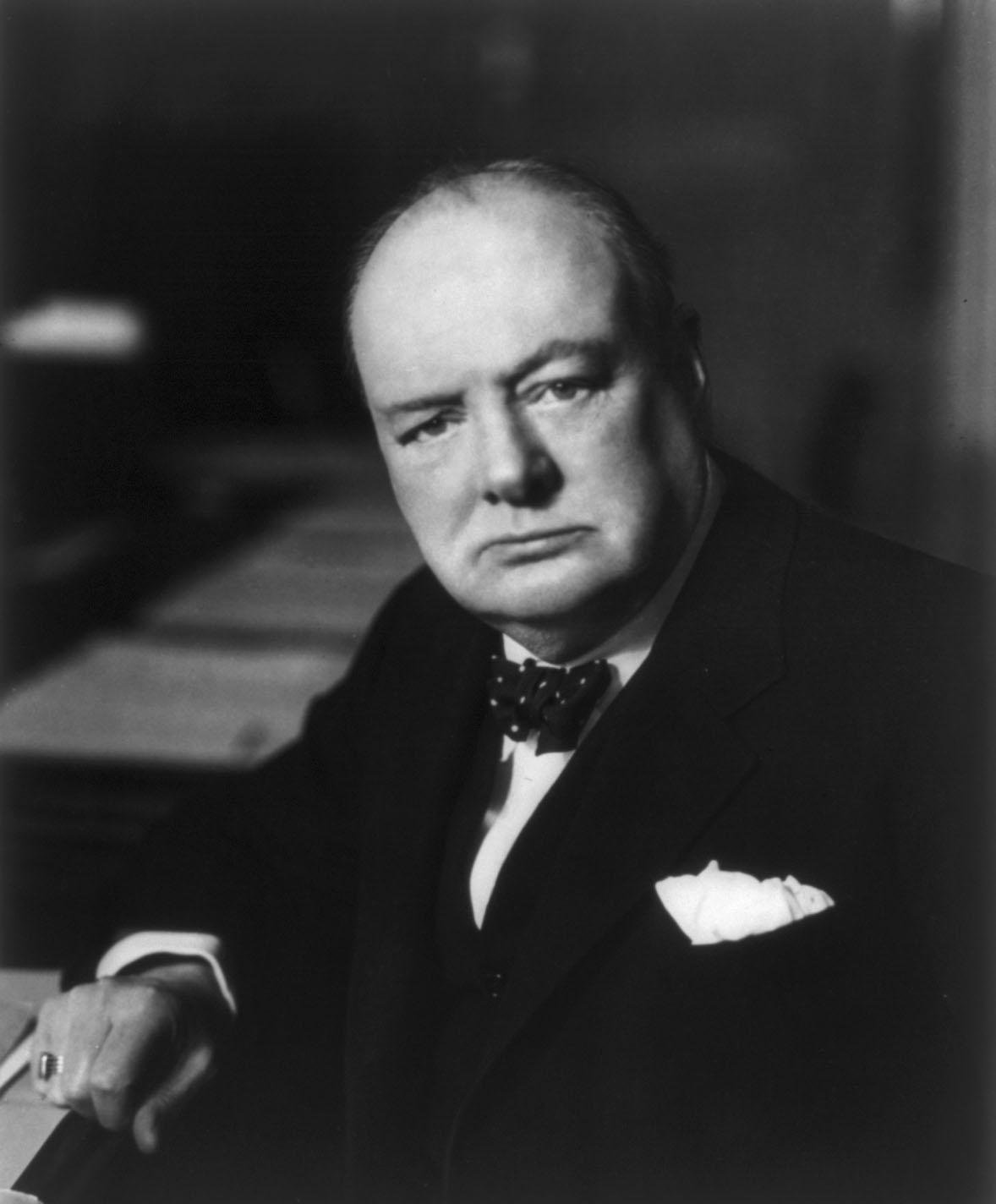 วินสตัน  เชอร์ชิลด์ นายกรัฐมนตรีของอังกฤษสมัยสงครามโลกครั้งที่ 2