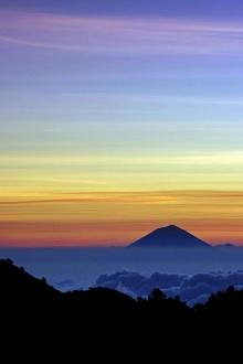 ดูภูเขาไฟที่ อินโดนีเซีย