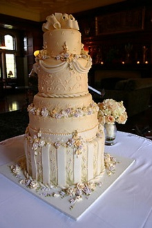 เค้กแต่งงานสุดอลังการ!!!