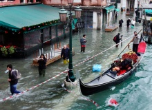 //Photographs of Venice Floods //