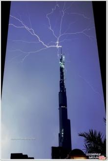 ๏~* Lightning on Dubai tower *~๏