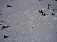 Snow Circle วาดหิมะให้เหมือนจานบิน