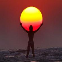 ถ่ายรูปเล่นกับดวงอาทิตย์