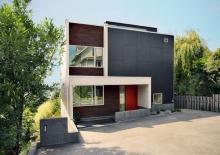 บ้านทรงสี่เหลี่ยมสไตล์ Modern ที่แสนอบอุ่น