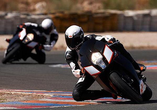 No.10: KTM RC8R