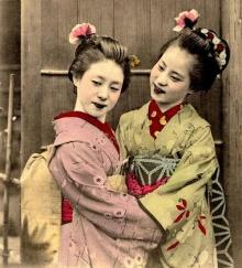 หญิงชาวญี่ปุ่นในชุดกิโมโนสมัยก่อน