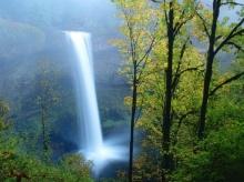 ธรรมชาติกับน้ำตกอันแสนงดงาม