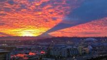 เงาลอยฟ้า ! จากภูเขาเรเนียร์