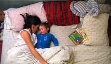 พ่อ แม่ ลูก ก็นอนกันแบบนี้แหละ_++