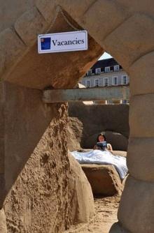 ~~~~ โรงแรมหาดทรายแรกของโลก ~~~~