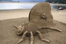 ผลงานสรรค์สร้างจากทราย(saki)