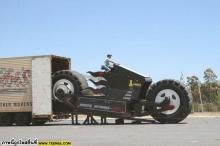 รถเก๋งถูกมอร์เตอร์ไซค์ทับพังยับทั้งคัน