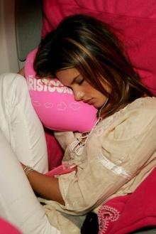 Models sleeping..สวยอย่างเดียวก็ไม่ไหวบางทีก็ง่วงบ้างอะไรบ้าง