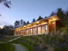 บ้านท่ามกลางธรรมชาติที่แคนาดา