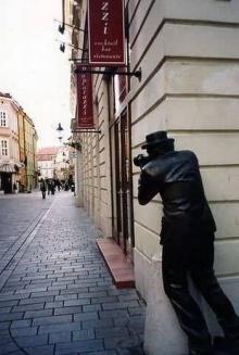 Strange Statues - อนุสาวรีย์แปลกๆ