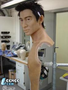 หุ่นขี้ผึ้ง Andy Lau มาดาม ทุสโซ่ด์ส