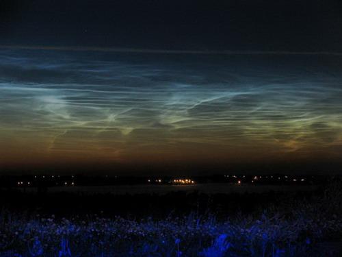 อันดับ 6 Noctilucent Clouds