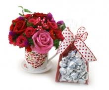 .. เอาดอกไม้มาส่งค่า .. =^.^=