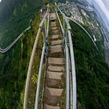 บันไดไฮกุ เส้นทางสู่สวรรค์ หมู่เกาะฮาวาย ประเทศสหรัฐอเมริกา
