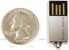 แฟลชไดรฟ์ 8 GB เล็กที่สุดในโลก