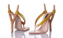 แฟชั่น รองเท้าส้นสูง ไอเดียแปลกที่สาว ๆ อาจชอบ