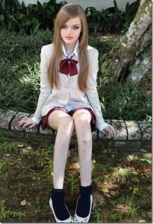 สาวอเมริกันหน้าเหมือนตุ๊กตาบาร์บี้