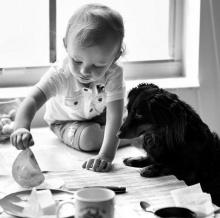 เด็กน้อย กับ สัตว์เลี้ยง น่ารักจัง