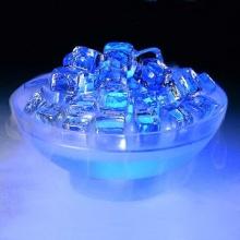 น้ำแข็ง คริสตัล หรือโคมไฟ