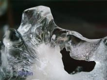 คลายร้อนกับน้ำแข็ง เย็นชื่นใจ